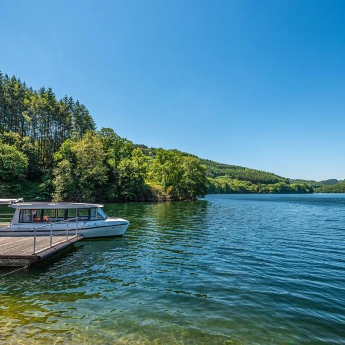 Lac de la Haute-Sûre, naviguer en bateau solaire